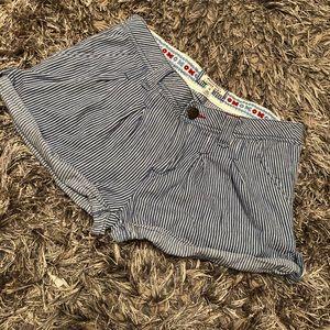I LOVE H81 pinstripe Cuffed shorts